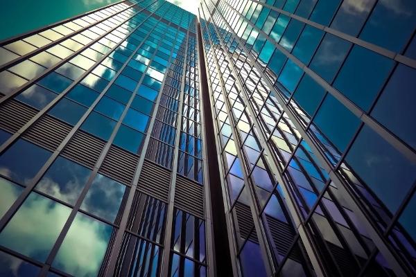 facciata-vetro-architettura
