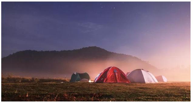 Tidur di Bawah Gemerlap Bintang Ranca Upas