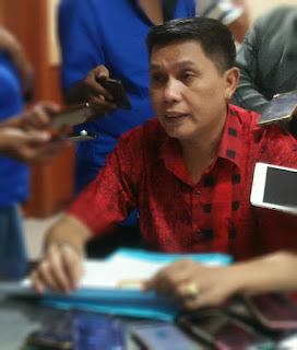 Pelaksana Tugas Sekretaris Dewan DPRD, Provinsi Maluku, Boedewin Wattimena mengatakan, seluruh anggota dewan telah menyerahkan bukti tanda terima Laporan Harta Kekayaan Penyelenggara Negara (LHKPN) dari Komisi Pemberantasan Korupsi (KPK), terhitung sejak Agustus lalu. Sementara untuk anggota dewan terpilih yang non aktif di DPRD, hanya menunggu penetapan KPU perihal penyerahan LHKPN.
