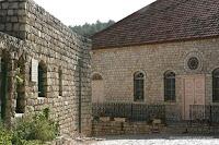 Door Baron Rothschild gebouwd en gelegen op Harishonim Straatt, De synagoge was het eerste openbare gebouw in Rosh Pina