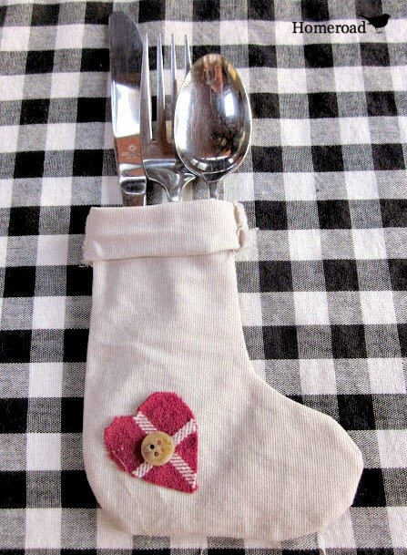 Christmas DIY flatware stockings for the dinner table