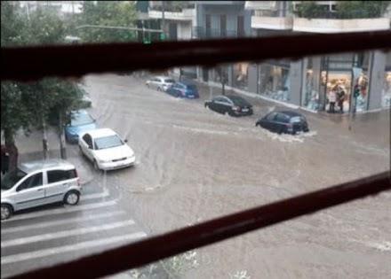 Σάκης Αρναούτογλου : Έχει ήδη βρέξει στην Αττική όσο βρέχει ολόκληρο τον Οκτώβριο