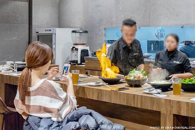 MG 7474 - 熱血採訪│台中雞佛火鍋這裡吃!搭配烏骨雞與蛤蜊超澎派,還有人氣必點剝皮辣椒鍋新發售~