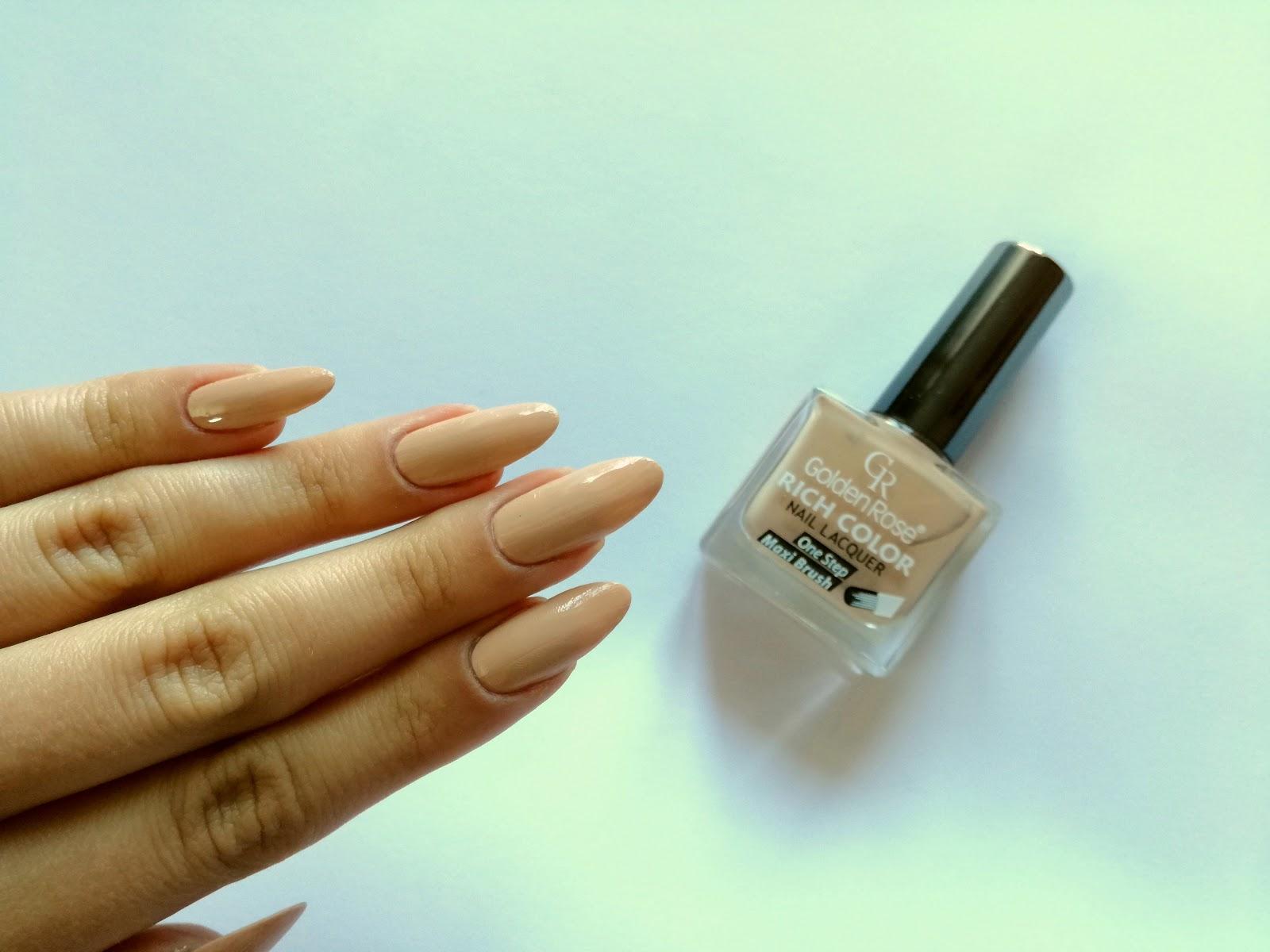 baza pod ombre - beżowe paznokcie