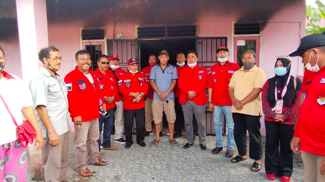 DPC PBB Siak dan PAC PBB Kecamatan Dayun Mengunjungi dan Memberikan Bantuan Kepada Korban Kebakaran