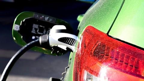 A történelemben először csökkent az elektromos autók eladása
