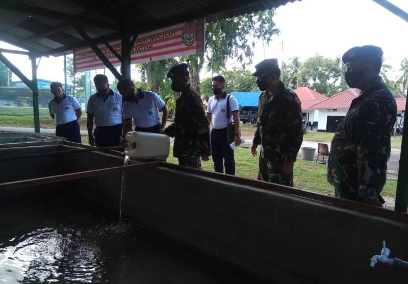 Dukung Ketahanan Pangan, Danlantamal IV Sebar Ribuan Ekor Benih Ikan Lele