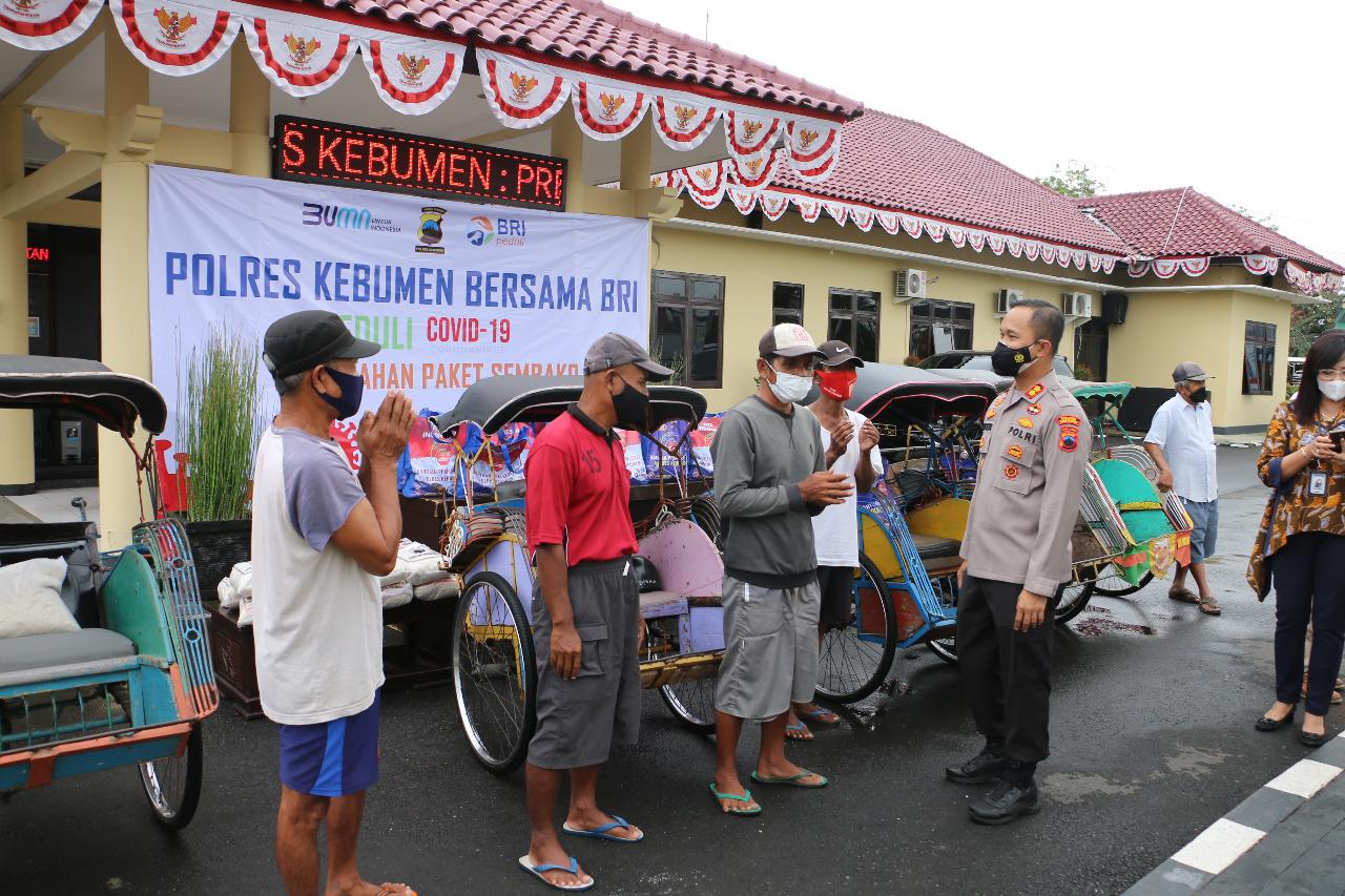 Bareng BRI, Polres Kebumen Salurkan 300 Paket Sembako