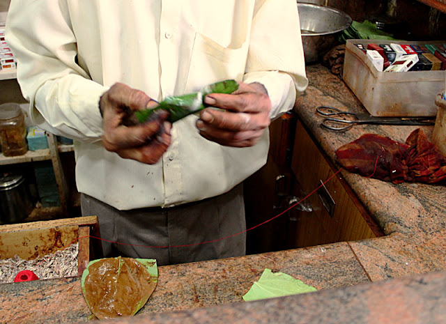 the paan is ready after being rolled