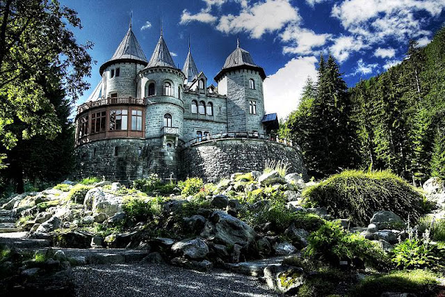 Castello Savoia a Gressoney Saint Jean - Travel blog Viaggynfo