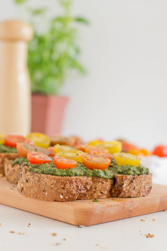 Vegan Pesto Bruschetta   danceofstoves.com #vegan #pesto