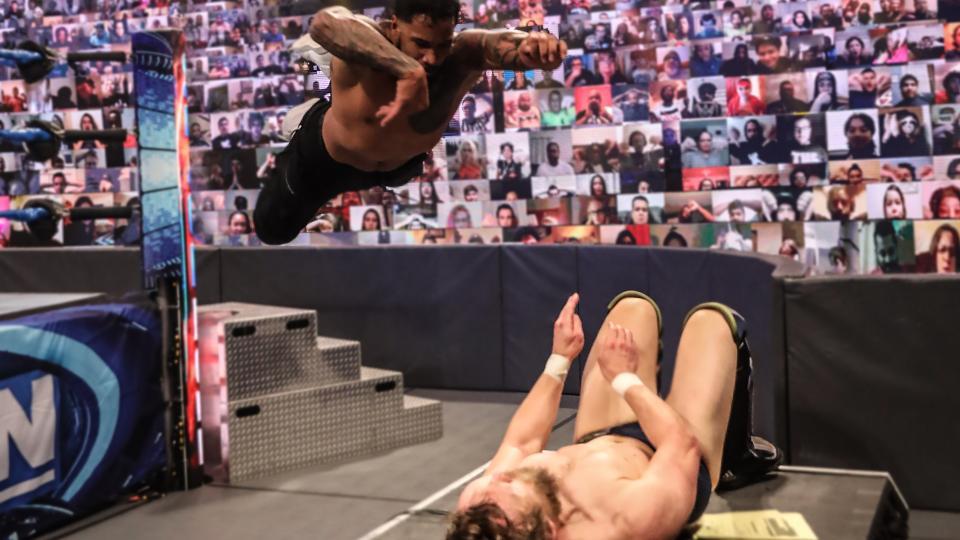 "Jey Uso quase se lesionou gravemente após ""Splash"" em Daniel Bryan na mesa de comentaristas"