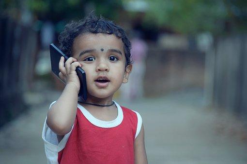 मोबाइल का बच्चों पर प्रभाव