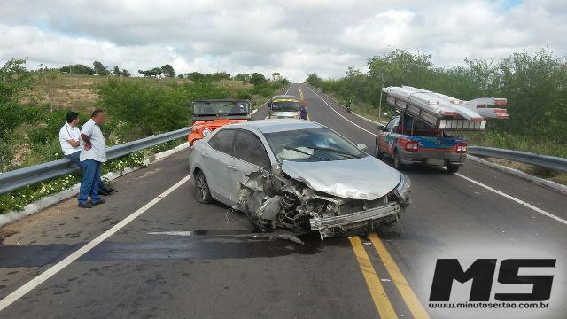 Médico  da cidade de  Pão de Açúcar sofre grave acidente com carro e escapa ileso em Delmiro Gouveia