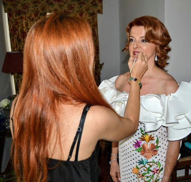 Almudena Persa Maquilladora Profesional Novias - GUÍA DE MAQUILLAJE SIN EDAD PARA MUJERES DE MAS DE 50 AÑOS -