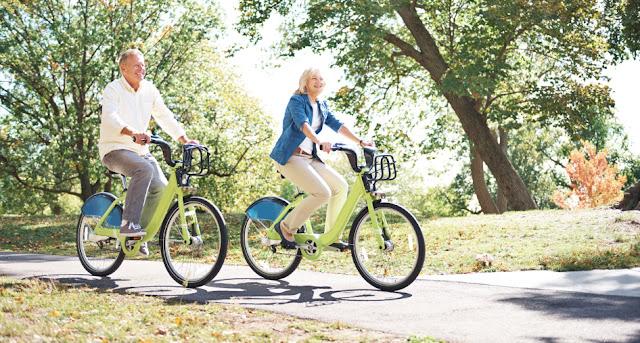 Resultado de imagem para pedalar idosos