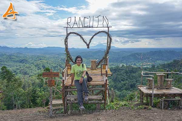 Wisata Bukit Rancutn serukam bengkayang
