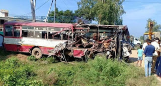 bus-accident-lucknow-6-died