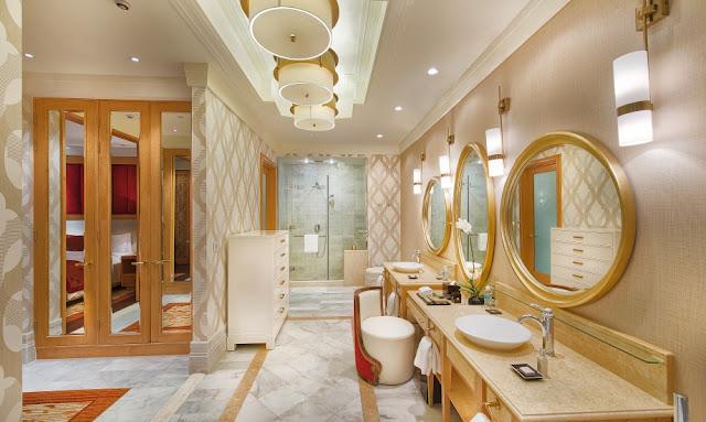 Nhà vệ sinh sạch sẽ - The Grand ho tram