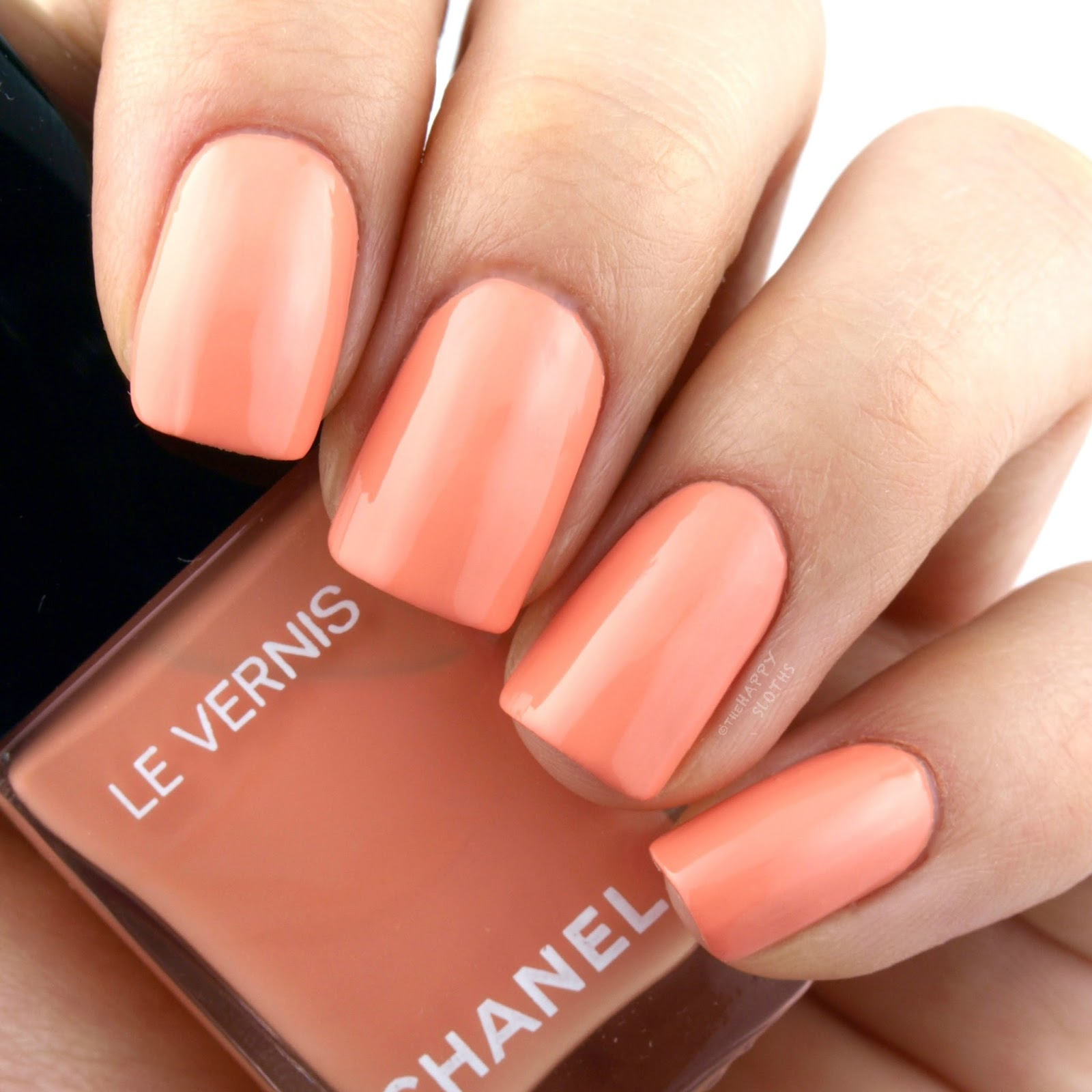 "Chanel Summer 2017 Cruise Collection Le Vernis in ""560 Coquillage"": Review and Swatches"