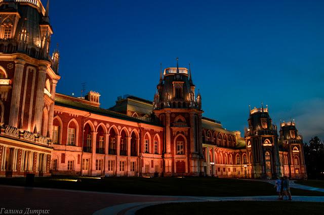 Дворец в Царицыно ночью