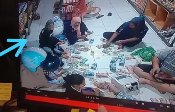 Terekam CCTV, Oknum Karyawati Toko Duta Sembako, Dompu Kedapatan Nyolek Duit, Sejuta Setiap Hari?