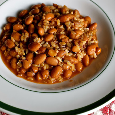 Arroz y frijoles: photo by Cliff Hutson