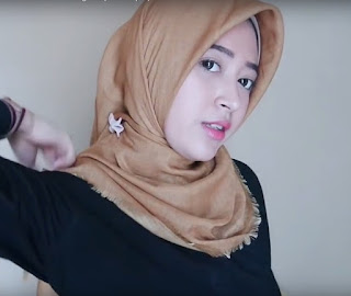 cara memakai hijab segi empat praktis