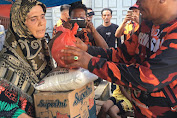 Setelah Berbagi Daging Kurban, Joko Tarigan Berbagi Sembako untuk Warga Pinggiran