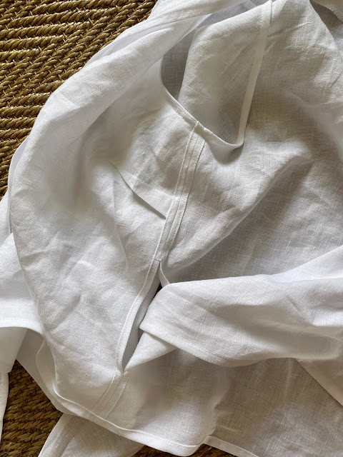 Diary of a Chain Stitcher: In The Folds Wrap Top from Peppermint Magazine in White Linen from The Fabric Store