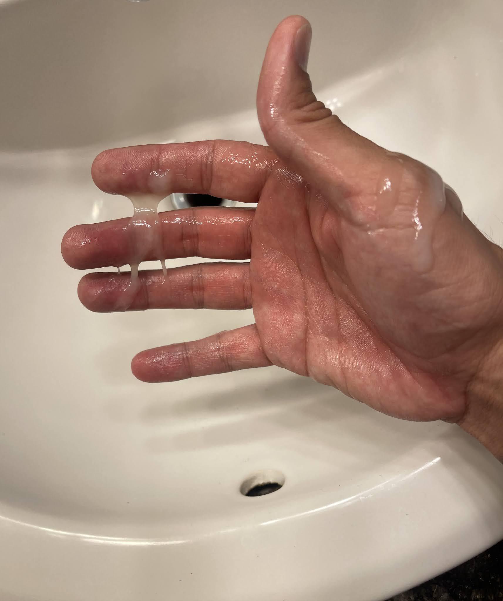 semen en mis manos