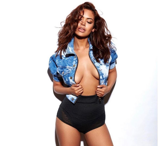 esha gupta shares without bra picture