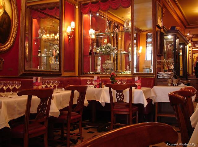 kawiarnie w Paryżu