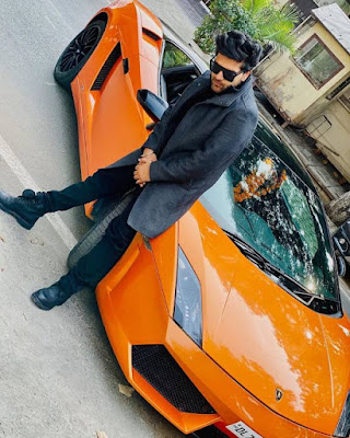 Guru Randhawa whatsapp Number, Wiki, Girlfriend, Family, Height, Weight, Age, Biography & More