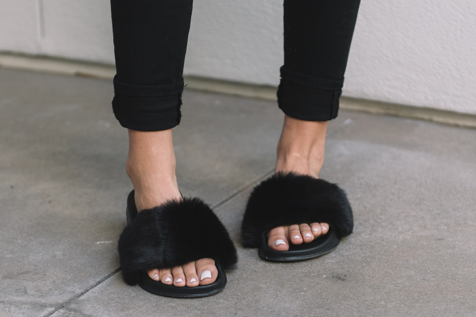 UO Faux Fur Pool Slide Black