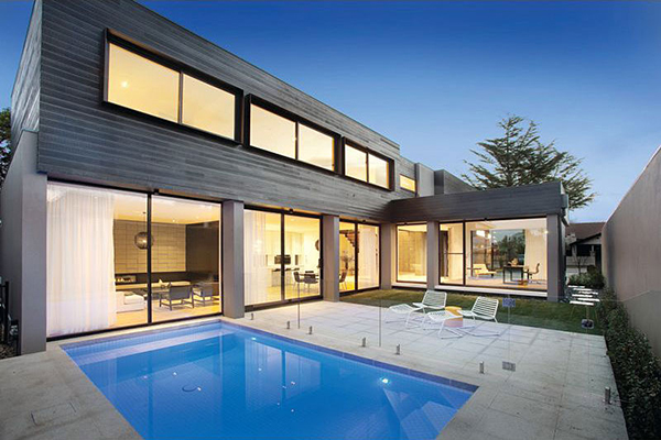 Hogares frescos moderna casa en melbourne mostrando un for Casa minimalista con piscina