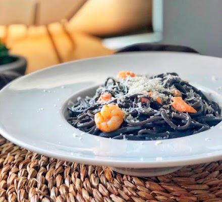 Pasta marinera de espaguetis con salmón y gambitas en Moulinex iCompanion con técnica One Pot