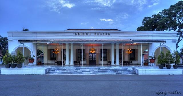 Gedung Kreatif Center Cirebon Sebagai Etalase Menjaul Kreatifias Produk Lokal