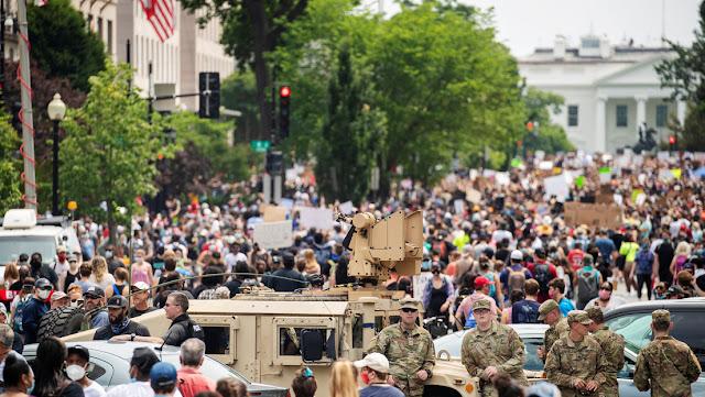 EE.UU.: Soldados de la Guardia Nacional se movilizan a Washington para proteger los monumentos