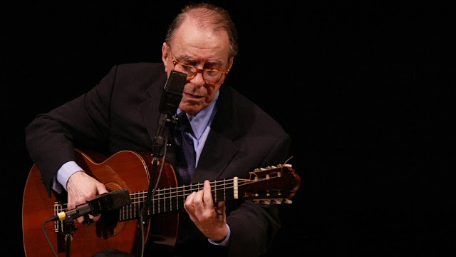"Joao Gilberto,guitarist and composer, father of ""Bossa Nova"", famous Brazilian music,die at 88."