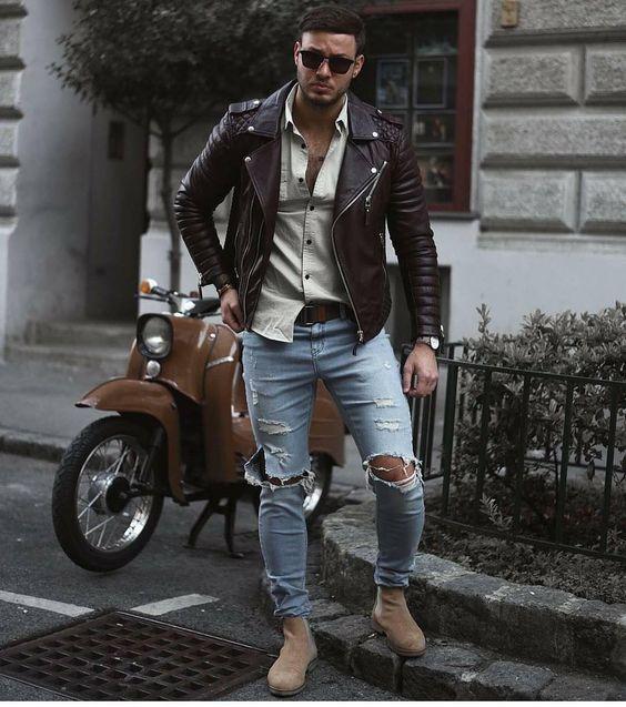 Look Masculino com Jaqueta de Couro Preta