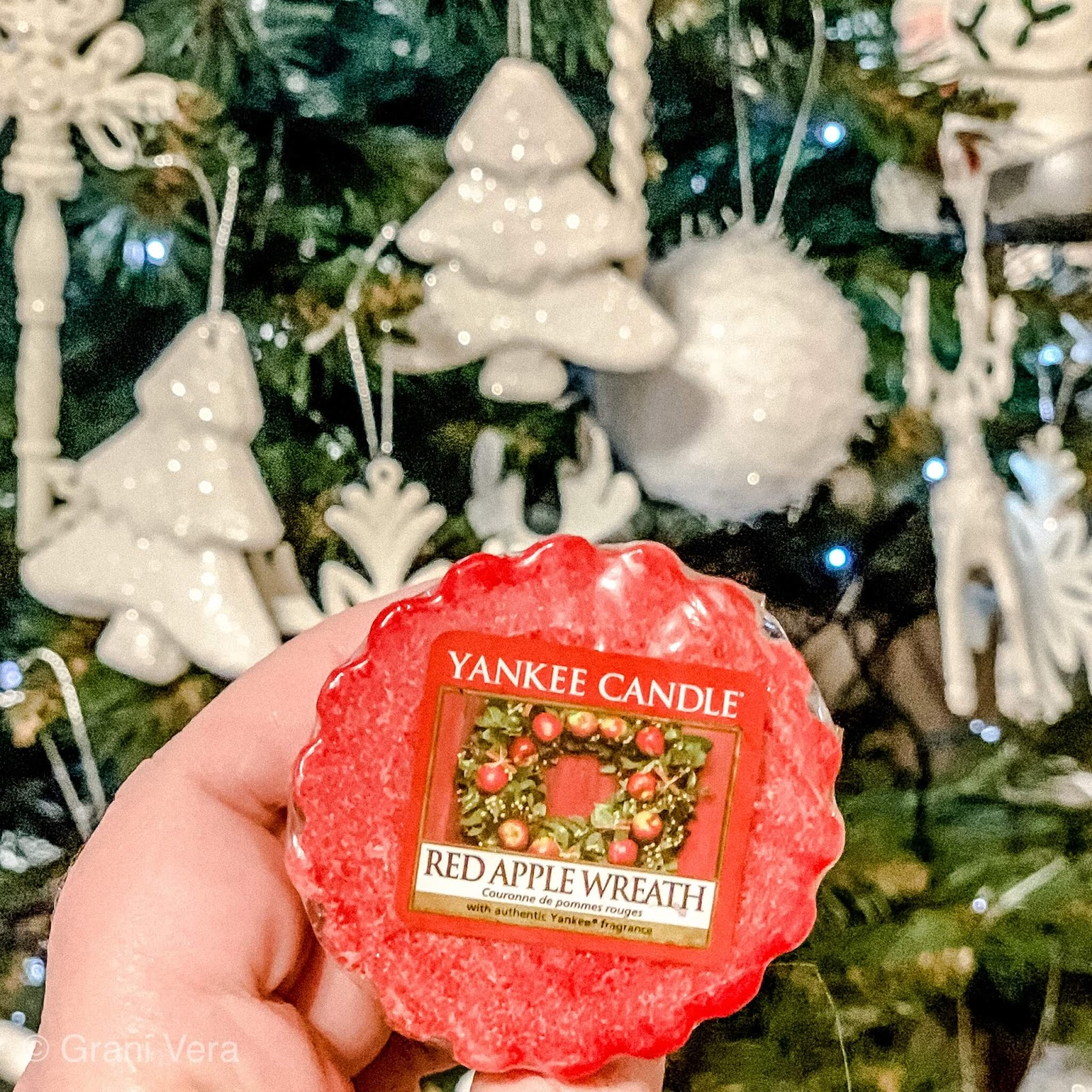 YANKEE CANDLE- WOSK RED APPLE WREATH