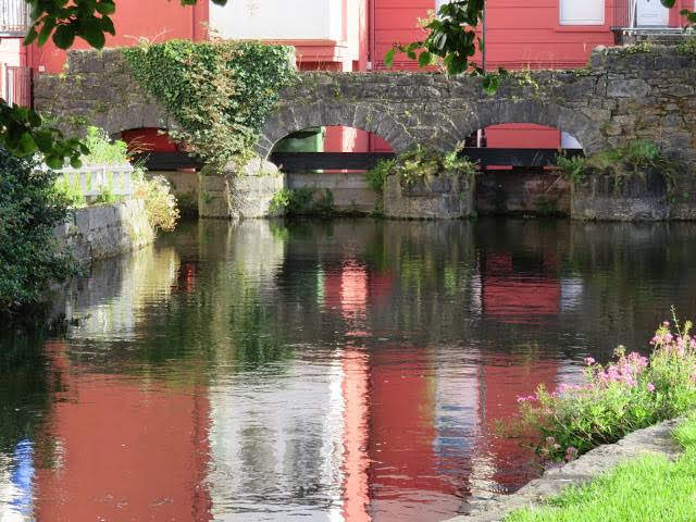 Travel Ireland by Rail from Dublin: River in Galway