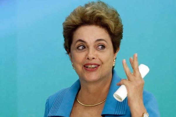 """Dilma Rousseff em discurso: algumas medidas importantes devem ser """"desovadas"""" pela presidência antes que a gestão Michel Temer assuma"""