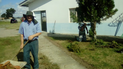 Nova diretoria e voluntários fazem mutirão por reforma da Associação de Moradores AsmoviQ