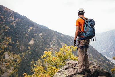 Travel Blogger Backpacked