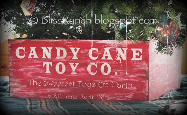 3 Sided Christmas Tree Crate Slides in Place, Bliss-Ranch.com