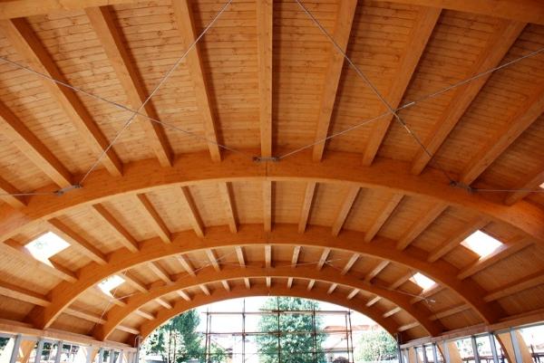 legno lamellare-copertura-legno-costruzione