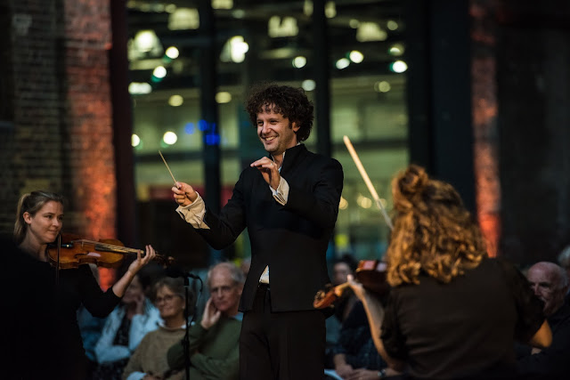Beethoven: Symphony No. 7 - Nicholas Collon, Aurora Orchestra - West Handyside Canopy, Kings Cross (Photo Monika S Jakubowska/Kings Place)