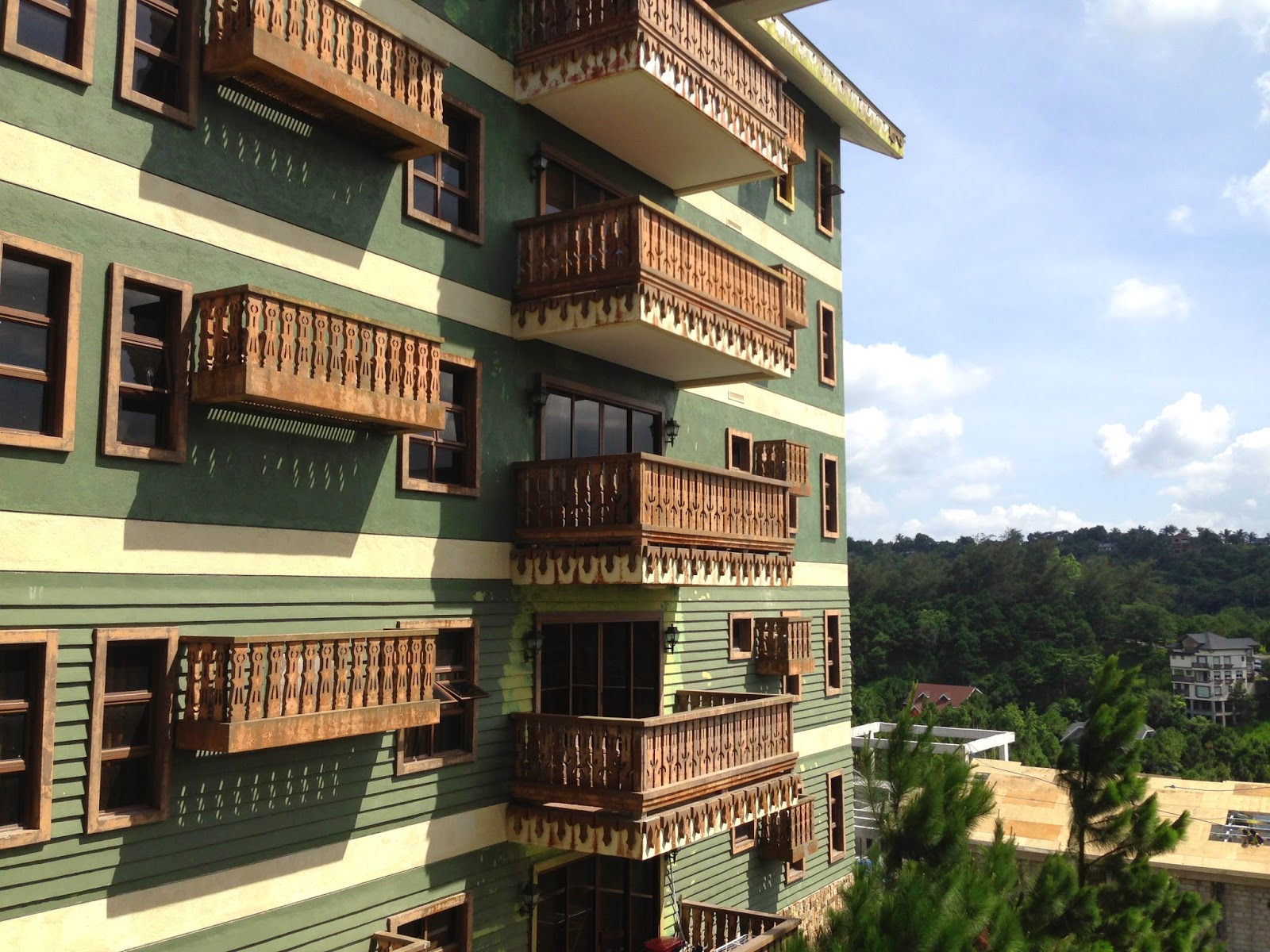 Thumbelina 39 s leaf where to stay in tagaytay crosswinds - Crosswinds tagaytay swimming pool ...